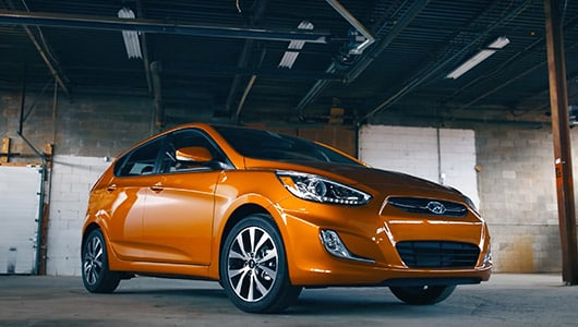 Take a tour of the 2017 Accent and explore the features