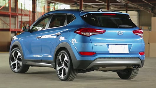 Take a tour of the 2017 Tucson  and explore the features