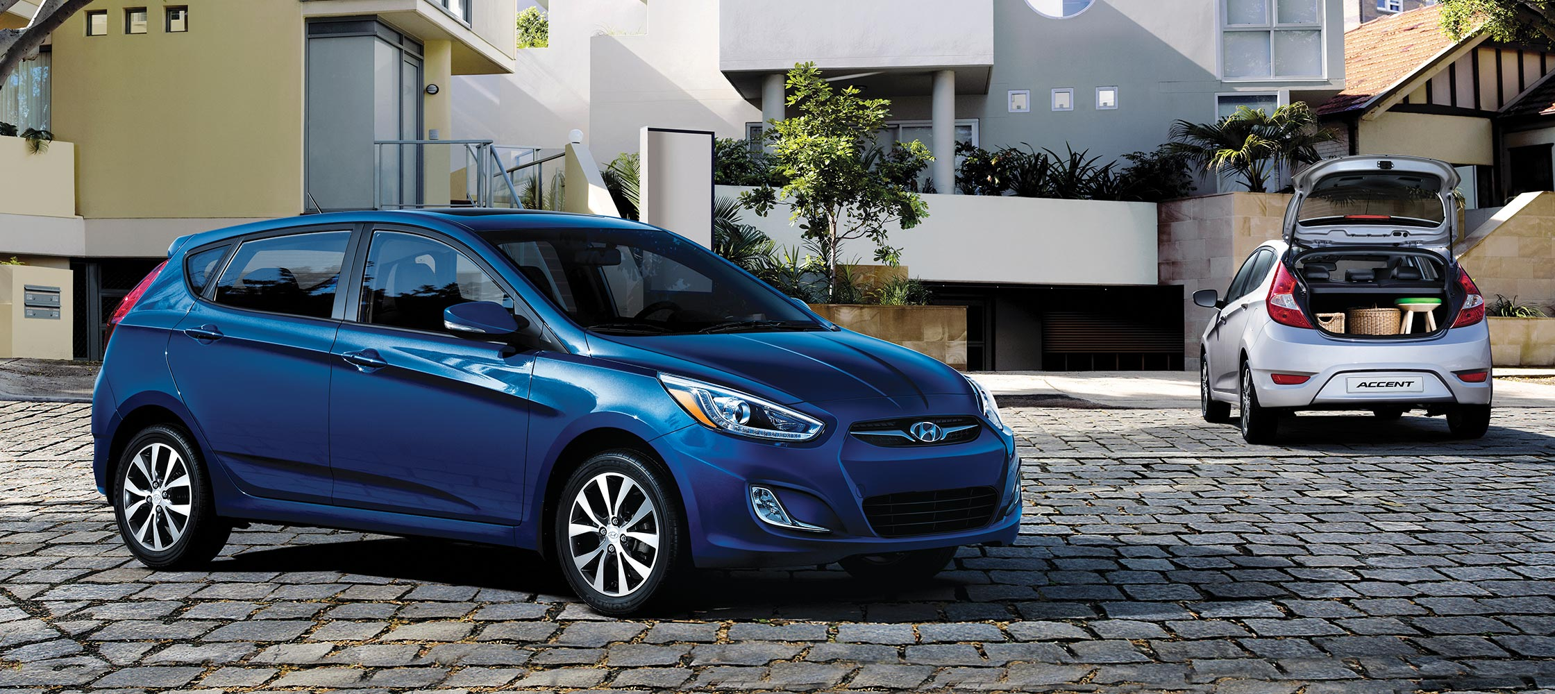 bird 39 s eye view of sleek blue hyundai accent compact hatchback 2017 sunroof side and rear doors. Black Bedroom Furniture Sets. Home Design Ideas