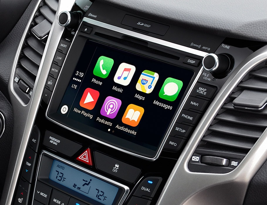 Image of Hyundai Elantra GT 2017 apple car play seven inch interface screen