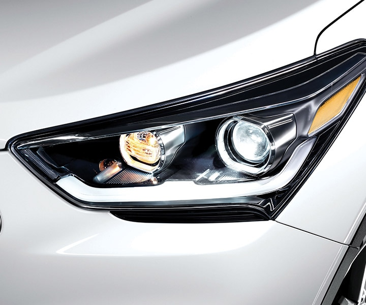 Exterior photo of Hyundai Santa Fe XL 2017 sporty high intensity discharge headlights
