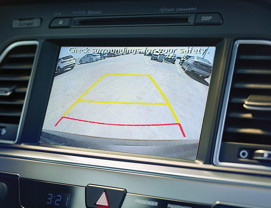 Hyundai Sonata Hybrid 2017 touch screen display with rearview camera demonstrating green, yellow and red zones