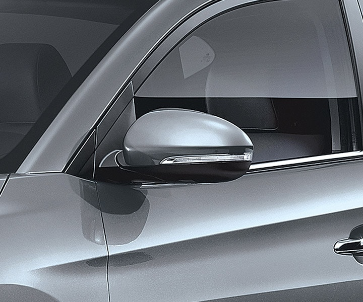 Exterior image of silver Hyundai Tucson 2017 CUV power adjustable side-mirrors