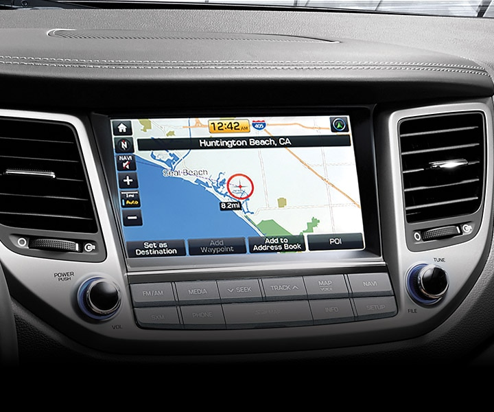 Image of Hyundai Tucson 2017 CUV high-tech dashboard and touch screen navigation system