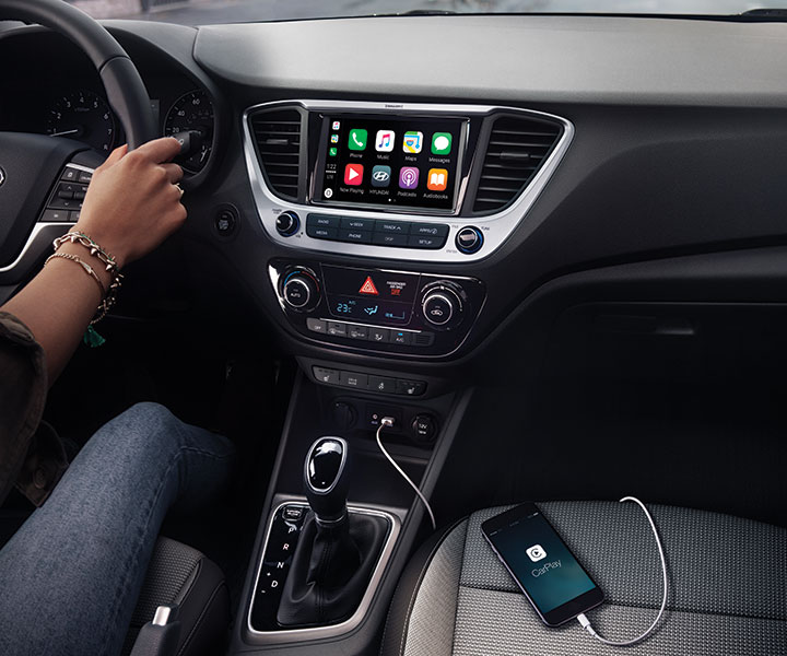 Android Auto TM And Apple CarPlay TM Smartphone Connectivity