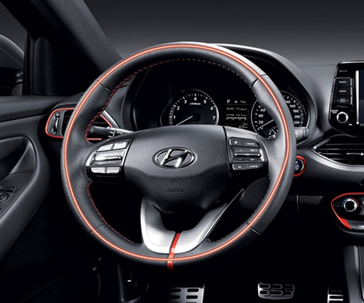 Photo of Hyundai 2018 Elantra GT Standard Heated steering wheel and heated front seats