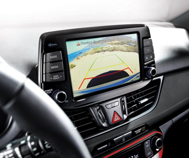 Photo of the Hyundai 2018 Elantra GT's Standard Rearview camera