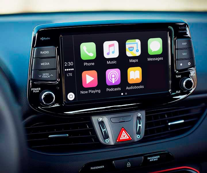 Photo of Hyundai's 2018 Elantra GT Apple Carplay feature