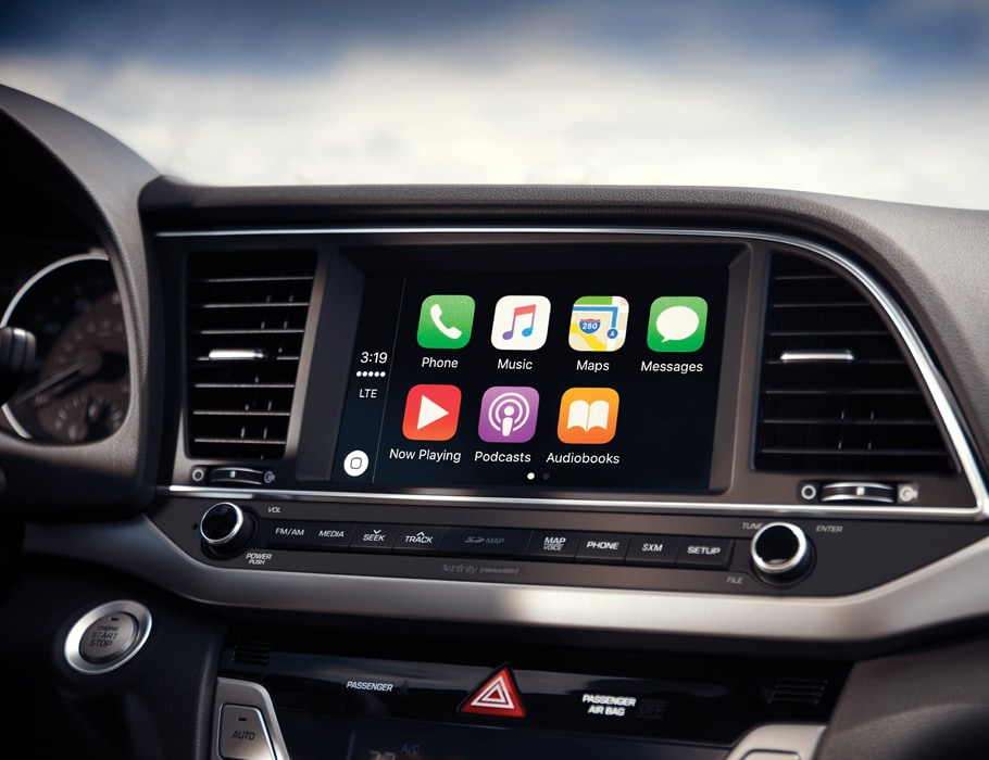 Image of Apple CarPlay interface on the dashboard of the 2018 Elantra.