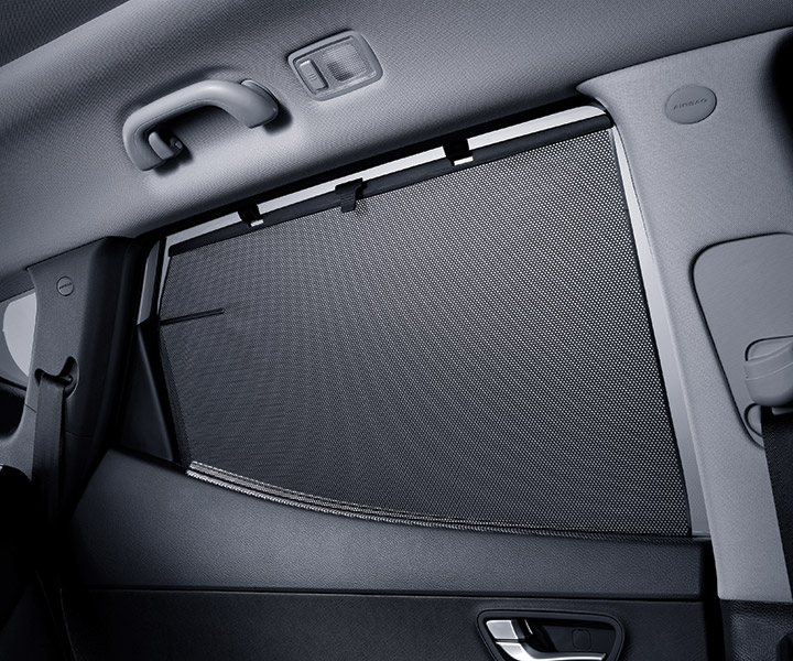 Close up of the window screen on the Hyundai 2018 Santa Fe Sport