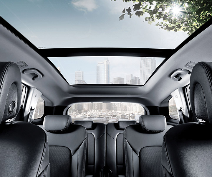 Interior photo of Hyundai Santa Fe XL 2018 panoramic sunroof over entire roof