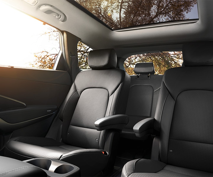 Interior of the 2018 Santa Fe XL in black leather by Hyundai