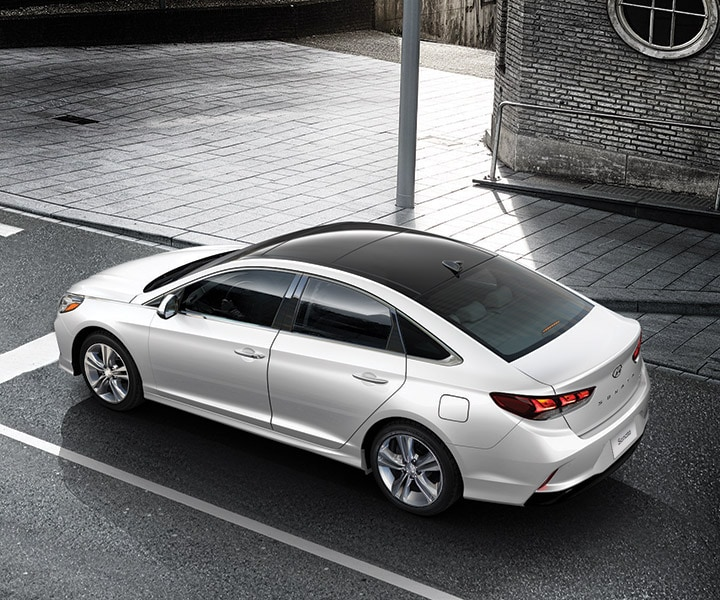 Birdseye view of the 2018 Sonata in polar white on a street.