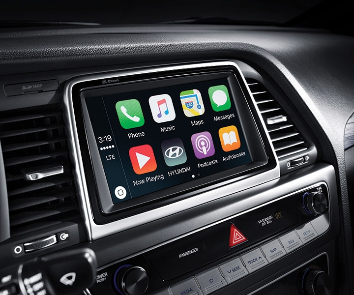 Apple Carplay™ in the Hyundai 2018 Sonata.