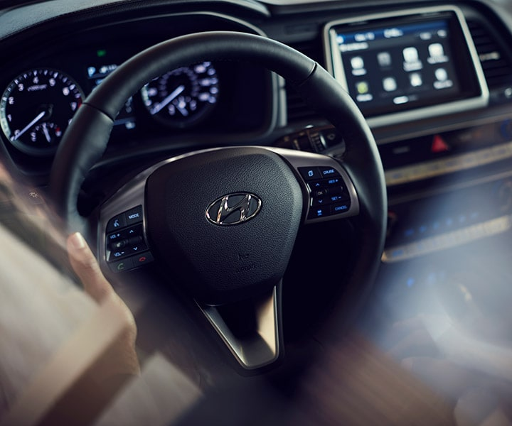 Hyundai Sonata Sport 2013: Driver Seat View Of The Heated Steering Wheel Of The