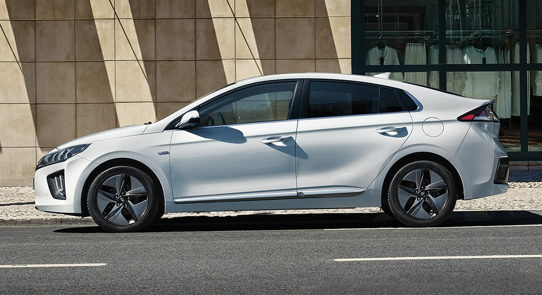 Image of a parked 2020 IONIQ Hybrid in white