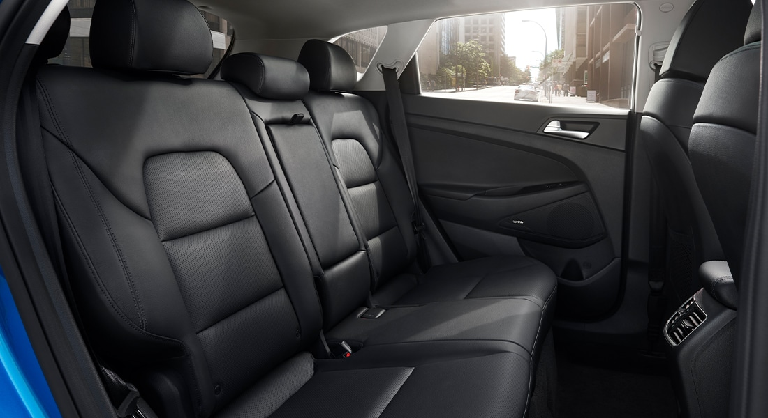 Interior back seats in Black leather on the 2020 Tucson.